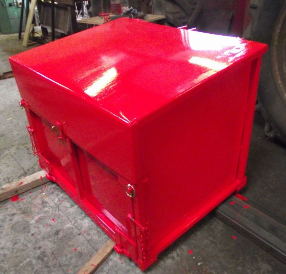 Carrier/Transport Box with Lid